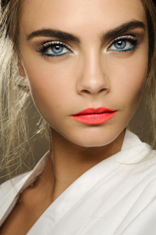 cara-delevingne-lipstick-1